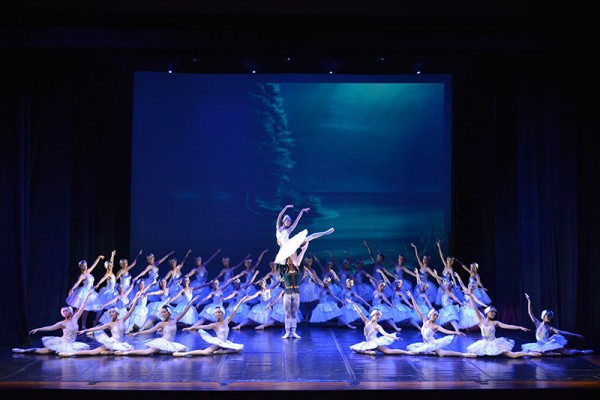 ballet-festival-18-juni-2014E45ABAE1-70F7-B8AC-5886-3CA475B9B767.jpg